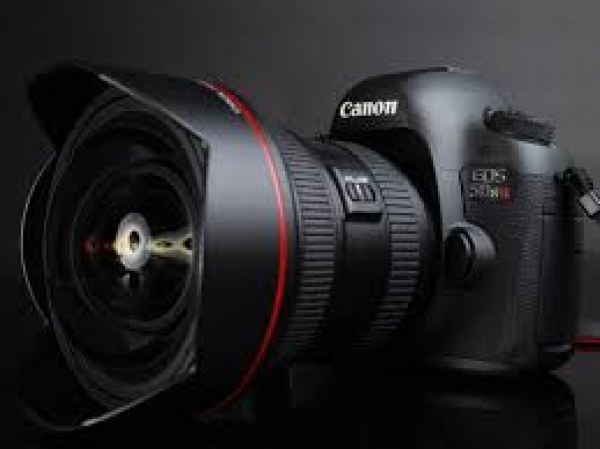 bigger-is-better-so-rent-a-canon-5ds-or-5dsr